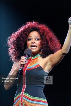 Diana Ross in concert 'In the Round' at the Birmingham NEC Arena.  27-Jun-1997