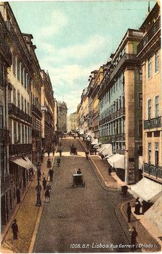 old Chiado, Lisbon. Old Pictures, Old Photos, Porto City, Portuguese Culture, Interesting Buildings, Famous Places, Most Beautiful Cities, Great Places, Europe