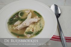 Pittige soep met kip, citroen en couscous