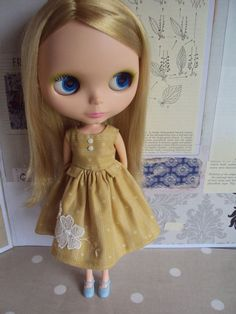 La fifille Dress for Blythe-yellow ochre