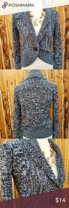 RUE 21 Bolero Style Arcrylic Sweater Size L Previously loved.  RUE 21 bolero style sweater single button closure in front Rue21 Sweaters Shrugs & Ponchos