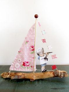 Shabby Vintage Archives - Home Style Corner Driftwood Projects, Driftwood Art, Fun Crafts, Crafts For Kids, Simply Shabby Chic, Shabby Chic Crafts, Romantic Cottage, Seashell Art, Pink Room