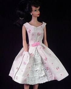 VINTAGE BARBIE GARDEN PARTY (1962-1963) - be sure to wear your large sun hat. The outfit wouldn't be complete without it!