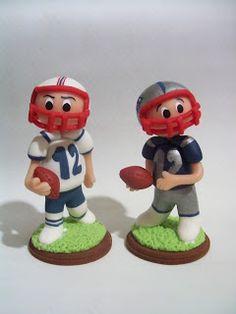 Jugadores de futbol americano en pasta francesa