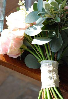 pearl button bridal bouquet handle