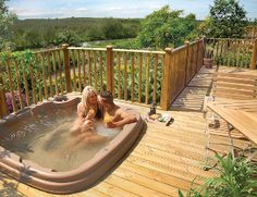 Yes please! I would really like to stay here. Derbyshire & the Peak District is one of the most beautiful areas of England and I can't think of anything better than returning to a lodge with a hot tub at the end of a busy day exploring!