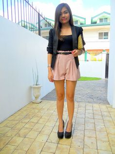Black blazer, pink high-waisted shorts, black suede pumps, clutch, summer outfit, summer look