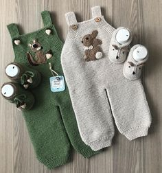 Crochet Baby Clothes Newborn Crochet Baby Knitting Patterns Knitting For Kids Crochet Yarn Baby Gifts Amigurumi Kids Outfits Hipster Babies Baby Knitting Patterns, Knitting For Kids, Lace Knitting, Baby Patterns, Knit Lace, Baby Dungarees, Pull Bebe, Knitted Baby Clothes, Baby Pants