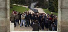 Cátedras al raso contra los recortes / @pilaralvarezm @elpais_sociedad |   Docentes universitarios de Madrid sacan 560 clases a las calles para miles de personas : reclaman al Ministerio de Educación que rectifique sus políticas | #universidadencrisis