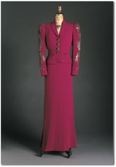 Evening Suit Elsa Schiaparelli, 1938 The Arizona Costume Institute Elsa Schiaparelli, 1930s Fashion, Timeless Fashion, Vintage Fashion, Vintage Outfits, Vintage Dresses, Vintage Clothing, Italian Fashion Designers, Costume Institute