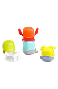 Free shipping and returns on Boon 'Creatures' Bath Toy Cup Set at Nordstrom.com. Interchangeable bath cups allow your little one to play with animal shapes.