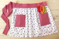 Easy Apron Pattern, Half Apron Patterns, Child Apron Pattern, Bag Patterns To Sew, Sewing Patterns Free, Free Sewing, Dress Patterns, Vintage Apron Pattern, Apron Tutorial