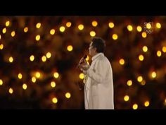 Lang Hallelujah again- This version is so nice with all the light backdrop She has an amazing voice Uplifting Songs, Kd Lang, Olympics Opening Ceremony, Singing Hallelujah, Praise Songs, Kinds Of Music, Things To Know, Jukebox, Soundtrack