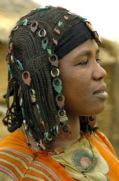 Check out all the talhakimts in her hair Africa Bella Tuareg woman photographed in Burkina Faso © Sergio Pessolano Tilda Swinton, African Tribes, African Women, African Beauty, African Fashion, Elizabeth Taylor, Ute Lemper, Skin Girl, Tuareg People