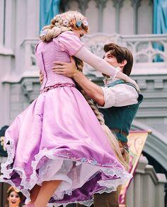 now that i see you ✨ mickeysroyalfriendshipfaire  flynn rapunzel disney magickingdom castleshow waltdisneyworld tangled tangledeverafter flynnrider mrff