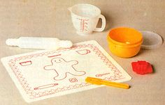 I'm suddenly nostalgic for 1970s tupperware.  I had this cookie set as a kid.