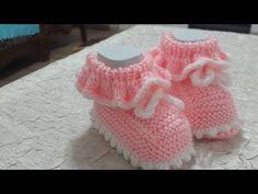 İki şişli bebek patiği - YouTube Crochet Boot Socks, Crochet Baby Boots, Knitted Booties, Crochet Slippers, Baby Sweater Patterns, Baby Knitting Patterns, Hand Knitting, Crochet Patterns, Knit Baby Shoes