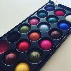 Tic tac toe #makeupstudio #artofmakeup #amsterdam #eyemakeup image by @dovisagie