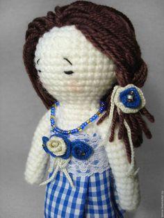 Человечки ручной работы. Вязаная крючком кукла Оливия с набором одежды. Handmade. crochet toys