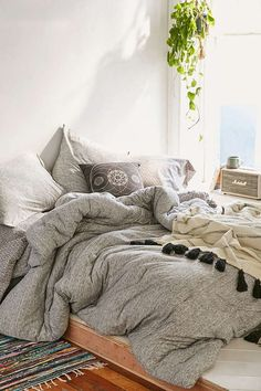 T-Shirt Jersey Comforter 4040 Locust Spacedye Jersey Comforter - Urban Outfitters. Looks like I could sleep forever in that bed! Cozy Bedroom, Bedroom Inspo, Dream Bedroom, Master Bedroom, Bedroom Decor, Bedroom Ideas, Bedding Decor, Bedroom Inspiration, Bedroom Colors