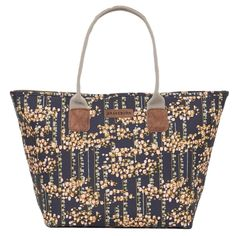 Chain Tote Bag With Pom Pom Twin handles fully lined wipe clean trendy bag