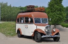 Citroen Bus.with lovely leather luggage on the way to the cabin!
