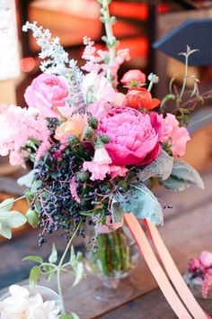 In LOVE with the textures/colors in this arrangement.