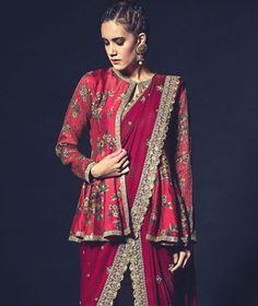Saree Jacket Designs, Saree Blouse Neck Designs, Fancy Blouse Designs, Kurta Designs, Saree Draping Styles, Saree Styles, Blouse Styles, Saree Jackets, Saree Trends