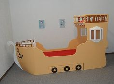 bed for small pirates, handmade in Germany
