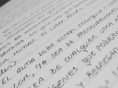 El alma debe estar tranquila  #frases #filosofia #foucault #psicologia #inspiracion #texto #letras #papel #letter #black #pen #write #moment #reflexion #reflection #mente #alma #tranquilidad