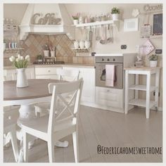 shabby chic kitchen designs – Shabby Chic Home Interiors Home Decor Kitchen, Country Kitchen, Interior Design Living Room, Home Kitchens, Kitchen Design, Shabby Home, Shabby Chic Homes, Muebles Shabby Chic, Cottage Interiors