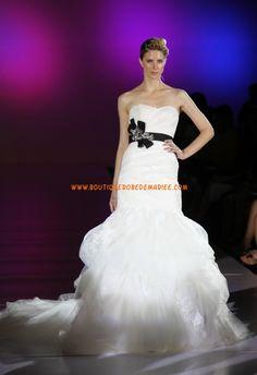 Robe de mariée trompette en noir et blanc broderies