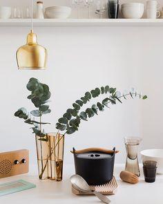A very Finnish kitchen with Alvar Aalto designed vase, kitchenware, and Golden Bell Pendant. . #skandium #iittala #artek #alvaraalto #aaltovase #artek #finnish #finnishdesign #finnishstyle #kitchenware #kitcheninspo #kitchenstyling #interiorenvy #interior