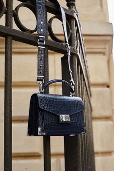 The Emily bag by The Kooples was designed by Emily Ratajkowski in a mini format that you'll have by your side from morning to evening. This exclusive limited-edition style is designed in calfskin leather embossed with a mock-croc pattern that will bring a Chain Shoulder Bag, Leather Shoulder Bag, Shoulder Bags, Sac The Kooples, Leather Purses, Leather Bag, Cross Body, Bag Women, Casual Chic Style