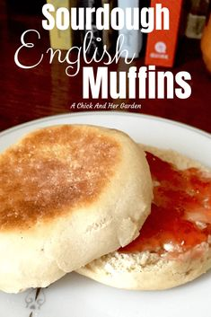 4 Points About Vintage And Standard Elizabethan Cooking Recipes! Who Doesn't Love A Good English Muffin For Breakfast? These Were Super Easy And So Good I'll Never Buy From The Store Again Real Food Recipes, Baking Recipes, Vegetarian Recipes, Yummy Food, Brunch Recipes, Breakfast Recipes, Breakfast Muffins, Mini Muffins, Sourdough Recipes