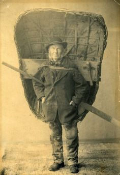 Vintage Photographs of Welsh Coracle Men With Their Catch of Fish in the Early Century Antique Photos, Vintage Photographs, Old Photos, Vintage Photos, Vintage Portrait, Into The West, Le Far West, British History, Welsh