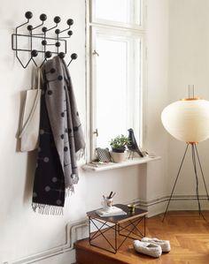 Věšák Vitra Hang It All, Black Ash | DesignVille