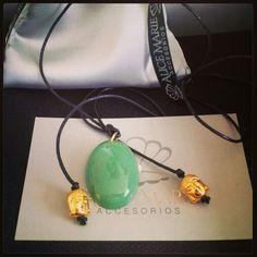 Hilo con jade