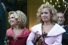 Znalezione obrazy dla zapytania lana popchuk Johann Strauss Orchestra, Laksa, Dreadlocks, Hair Styles, Beauty, Music, Hair Plait Styles, Hairdos, Haircut Styles