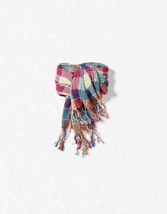 Baby neck scarf.  LOVE!!! $12.90 from zara