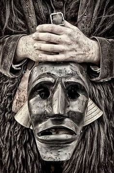 Folklore, Arte Haida, Brassai, Black And White People, Beautiful Mask, Weird Creatures, Travel Memories, Travel Pictures, Unique Art