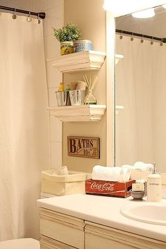 small shelves above toilet as an alternative to those units that go around the toilet. small shelves above toilet as an alternative to those units that go around the toilet. Shelves Above Toilet, Small Shelves, Bathroom Shelves, Bathroom Storage, Floating Shelves, Downstairs Bathroom, Toilet Storage, White Shelves, Hanging Shelves