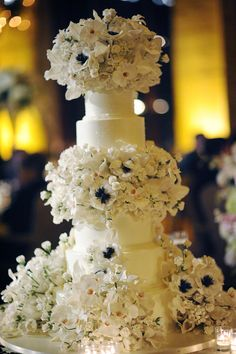 Loving this bouquet-inspired wedding cake by The Breakers Palm Beach. -- Grace Ormonde Wedding Style