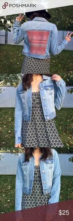 Tribal Print Jean Jacket Really sweet tribal print back patch on a jean jacket from American Eagle Outfitters size small true to size! Wear dressed up with a mini dress or causal with your high waisted pants and a beanie 🍒 American Eagle Outfitters Jackets & Coats Jean Jackets