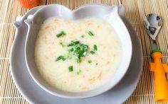 Sekiz ayını tamamlayan minik bebeklerin de rahatlıkla içebileceği yer elmalı yoğurt çorbası, büyüklerin de severek tüketebileceği bir çorba tarifi.