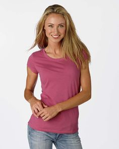 Only Bella can make jersey tee's that look and feel like absolute heaven. It is made of 3.2-ounce, 40-single 100% combed and ring spun cotton, ready to keep you comfy all the time.