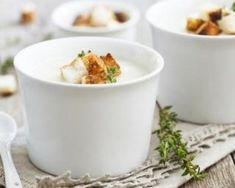 Soupe caresse légère de topinambours au fromage et aux noix : http://www.fourchette-et-bikini.fr/recettes/recettes-minceur/soupe-caresse-legere-de-topinambours-au-fromage-et-aux-noix.html