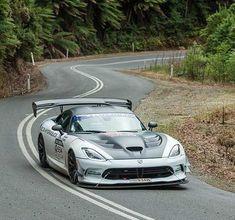 Targa Tasmania 2017 - White leads in Dodge Viper Viper Acr, Dodge Viper, My Dream Car, Dream Cars, Mopar Or No Car, American Muscle Cars, Car Girls, Car Photos, Hot Cars
