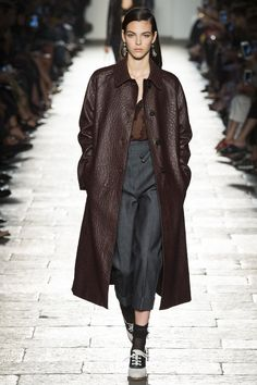 Bottega Veneta Spring 2017 Ready-to-Wear Fashion Show - Vittoria Ceretti