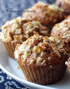 """"""" Aromatyczne od cynamonu. Chrupiące od płatków migdałowych. Soczyste od jabłek. Smakowite od samego patrzenia, a pyszne od pierwszego... Sweet Recipes, Cake Recipes, Snack Recipes, Cooking Recipes, Snacks, Cupcakes, Cupcake Cakes, Dessert Drinks, Just Cooking"""